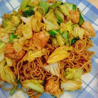 キャベツ 小松菜 鶏肉のソース焼きそば