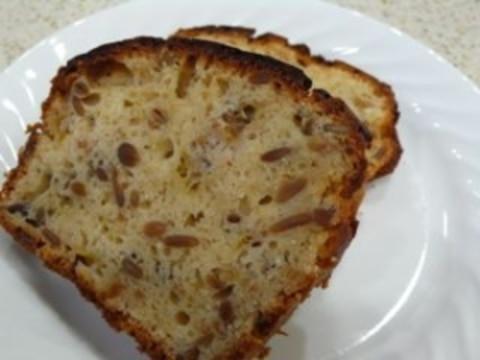 イチジクとひまわりの種のパウンドケーキ