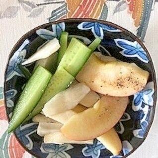 菊芋、リンゴ、胡瓜のサラダ