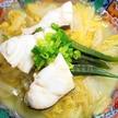 フライパンで蒸し煮するだけ!鱈と白菜の酒蒸し