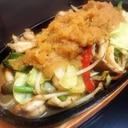 簡単 焦した野菜が甘い 五目鉄板焼の大根おろしがけ