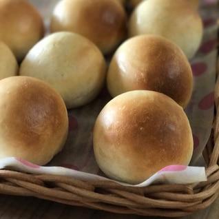 シンプルな丸パン