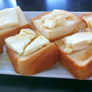 朝食・おやつにも!クリームチーズ&はちみつトースト