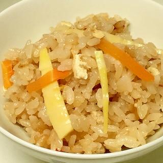 もち米少し入れて 筍ご飯♪