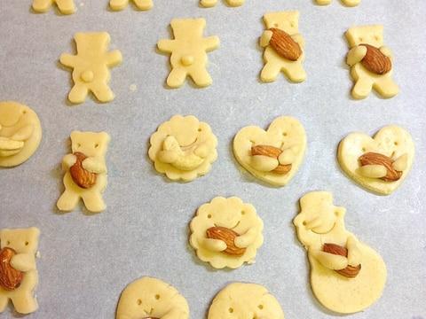 可愛すぎ♪専用の型がなくても出来る抱っこクッキー