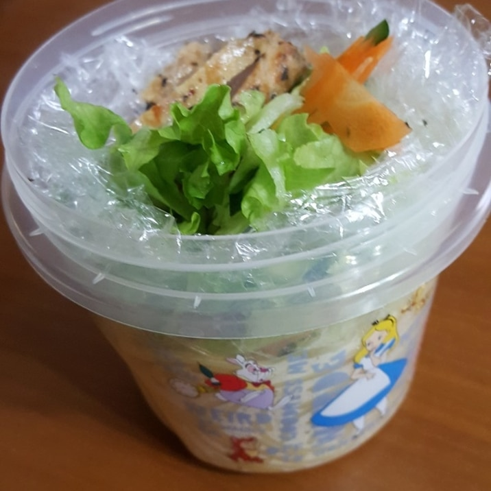 簡単 コンビニ風 サラダパスタ弁当 4/10