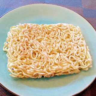 ♪片栗粉でパリッパリ♡焼きそば麺の上手な焼き方♪