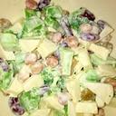 ブロッコリーとりんごとビンズのサラダ