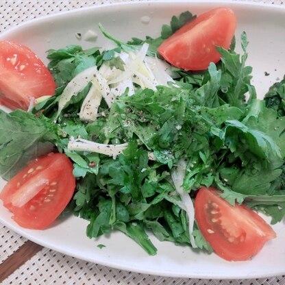 春菊って生で食しても美味しいんですね!今まで茹でたり炒めたりばっかりだったので新鮮でした♡