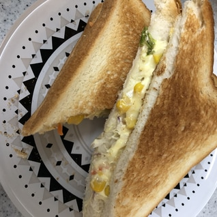 朝食に!簡単ホットサンド