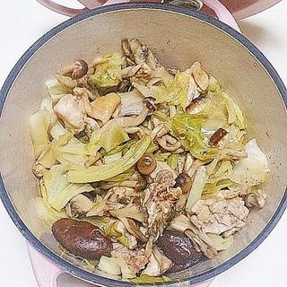 ヘルシ~!キャベツ・鶏肉・キノコの蒸し鍋
