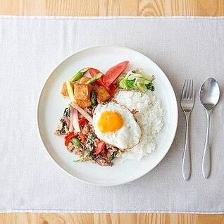 本格タイ料理 ガパオライス