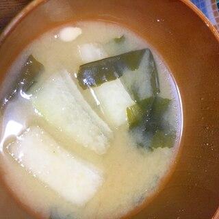 冬瓜とわかめの味噌汁