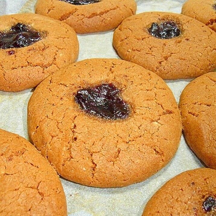 ピーナッツバタージャムクッキー
