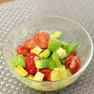 切って混ぜて簡単☆トマトとアボカドのサラダ
