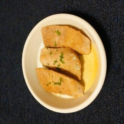 ニンニクとバターと醤油の組み合わせいいですね!簡単でとっても美味しかったです(*^^*)