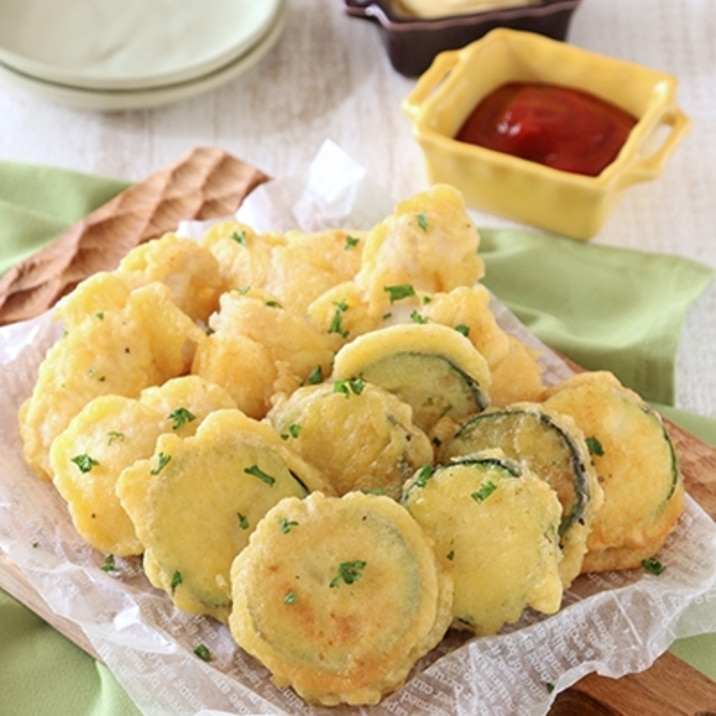 【少ない油で♪】ズッキーニと鶏むねのチーズフリット