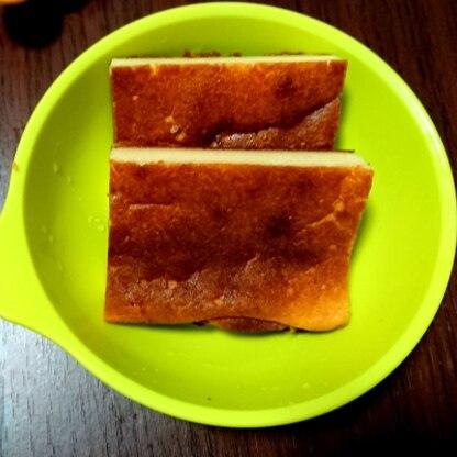 スクエア型で、砂糖70gで作ってみました。 美味しくて、子どももおかわりして食べてくれました。