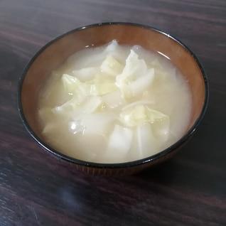 玉ねぎとキャベツの味噌汁