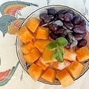 ロースハム、葡萄、メロンのサラダ