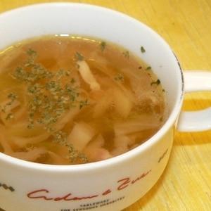 簡単♪キャベツと玉ねぎとベーコンの洋風スープ