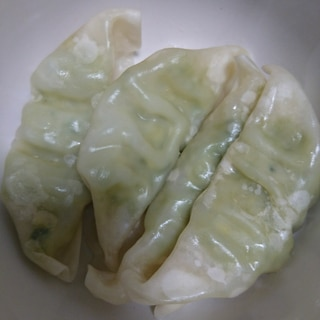 鍋の準備が面倒な時に♪チルド餃子の簡単レンジ蒸し