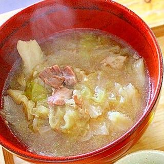 牛肉とキャベツの味噌スープ