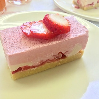 いちごたっぷりローストロベリーケーキ