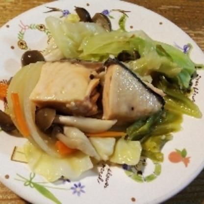 簡単に美味しく出来ました♪また作りたいです(*^^*)ありがとうございます(*´∀`)♪