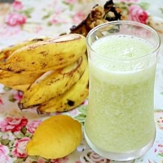 グリーンスムージー☆小松菜×バナナ×ヨーグルト