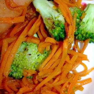 ソーセージと残り物野菜でコンソメ炒め