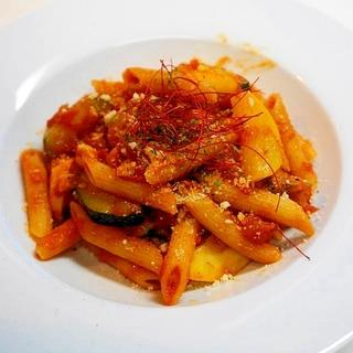 シーフードと夏野菜で一層美味!ペンネアラビアータ