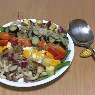 さつまいもと秋野菜のコブサラダ風プレート