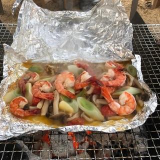 BBQで海老とキノコや野菜のホイル焼き!