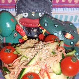 ズッキーニとカニかまの胡麻サラダ