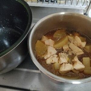 炊飯器で中までとろとろ♪ご飯に合う☆鶏大根