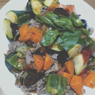 ラム肉とゴロゴロ野菜のバジルトマト炒め