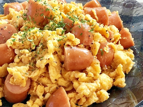 ★ウィンナーと卵のテリマヨ炒め★
