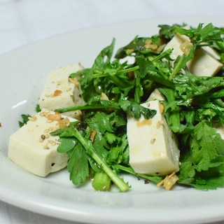 春菊と豆腐のサラダ*熱々ごま油がけ