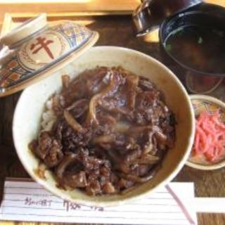 伊勢神宮「豚捨」の牛丼