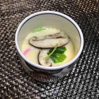 具材は蒲鉾、椎茸、三つ葉で。簡単に美味しくできました!またつくります!