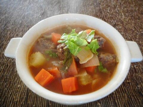 サイコロステーキと香味野菜のピリ辛スープ