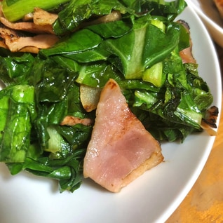 小松菜とベーコンのバター醤油炒め。お弁当にも
