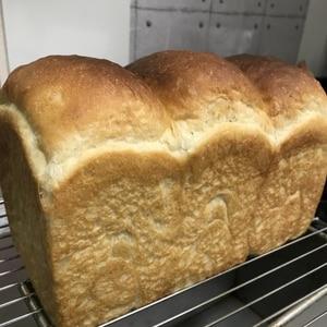 とかち野酵母(天然酵母ドライ)山型食パン(一斤)