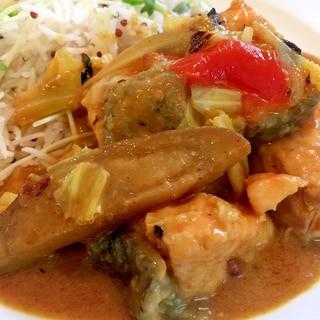 サーモン&野菜のタイカレー/キヌアジャスミンライス