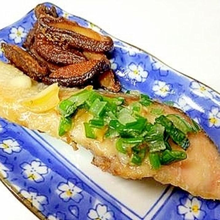 にんにく香る蒸し焼き鮭椎茸ムニエル