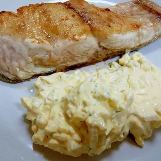 【シャケ】鮭ムニエルのタルタルソース添え