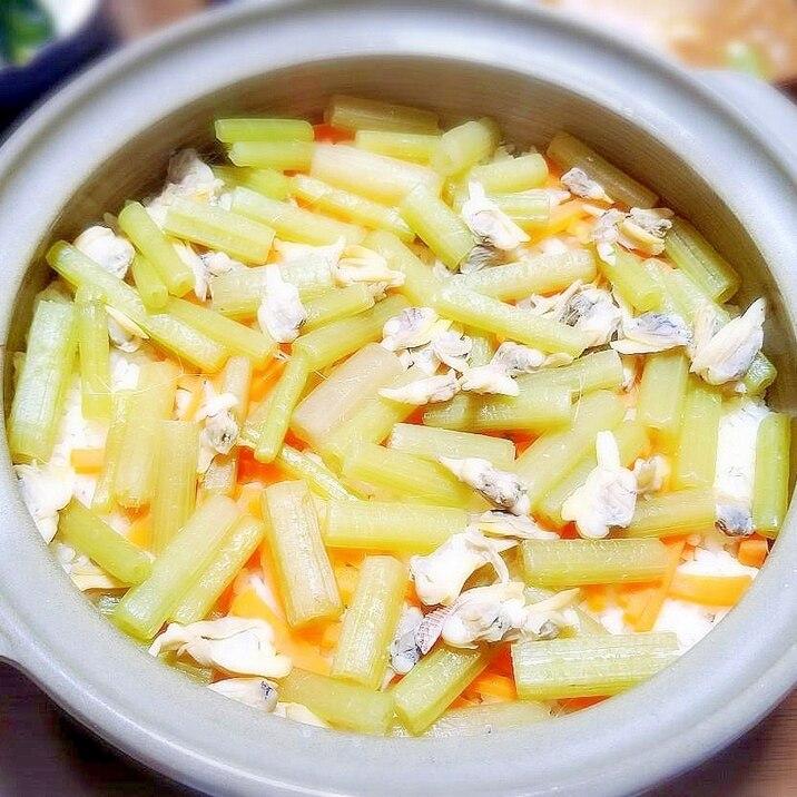 白だしで簡単!土鍋で♪あさりとフキの炊き込みご飯☆