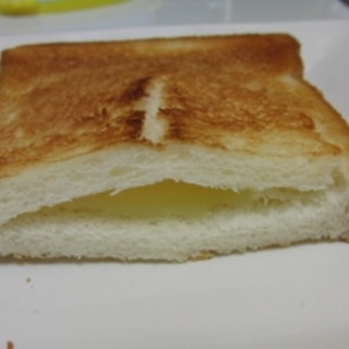 チーズが垂れない簡単ホットサンド