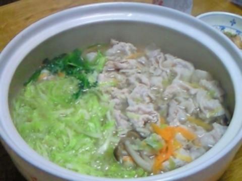 キャベツ と 豚肉 の 鍋